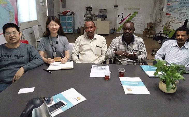 记:苏丹客户到访金昶泰洽谈奶嘴液体硅胶设备