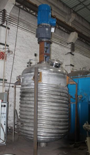 未完工的外盤管反應釜